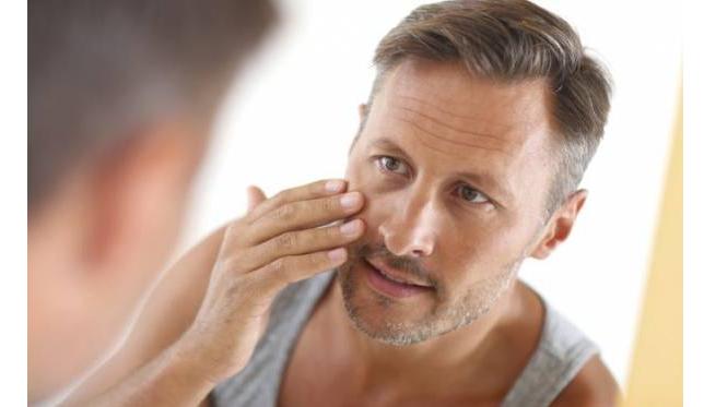 دلایل خشکی پوست دست و درمان آن